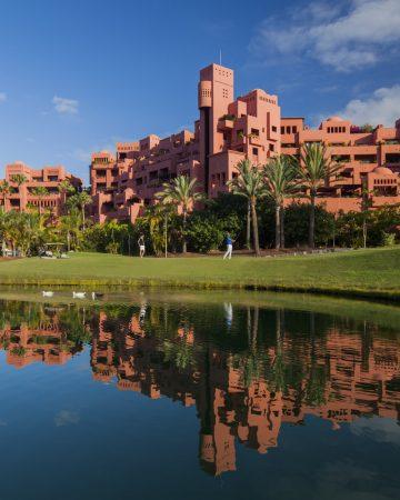Book Hotel & Golf