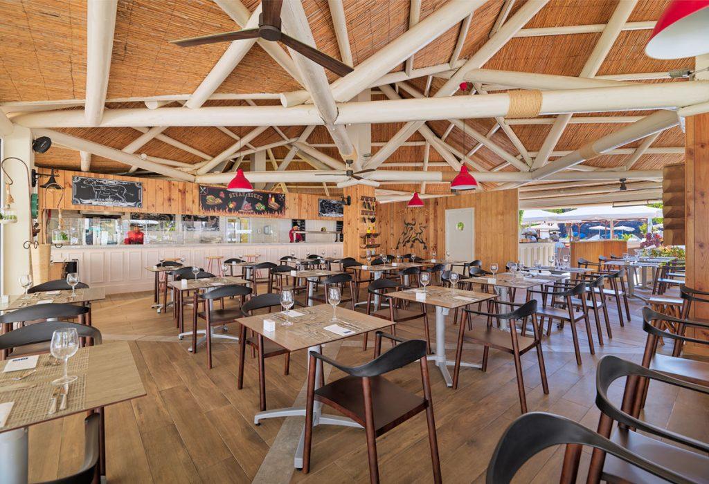 7-5-19_Steak-house-La-Choza-montaje-almuerzo