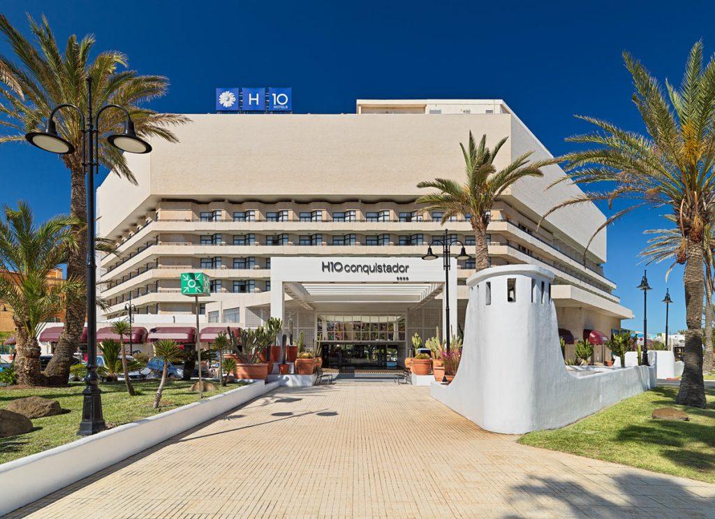 8-5-19_Vistas-entrada-al-hotel-de-dia_0005hc