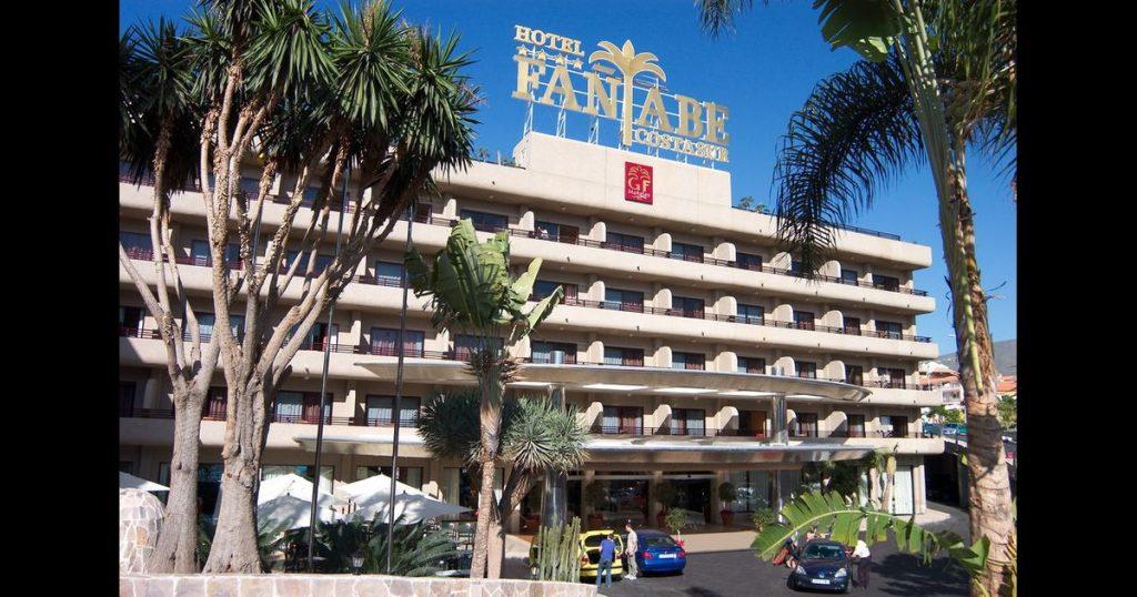 hotel-fanabe-entrance